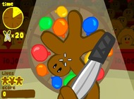 Play-throwing-knives-in-a-circus-gingerbread-circus